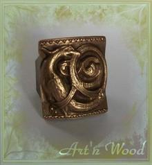 http://artnwood-bijoux.wifeo.com/images/b/bag/bague-medievale-griffon-bronze-homme-220.jpg